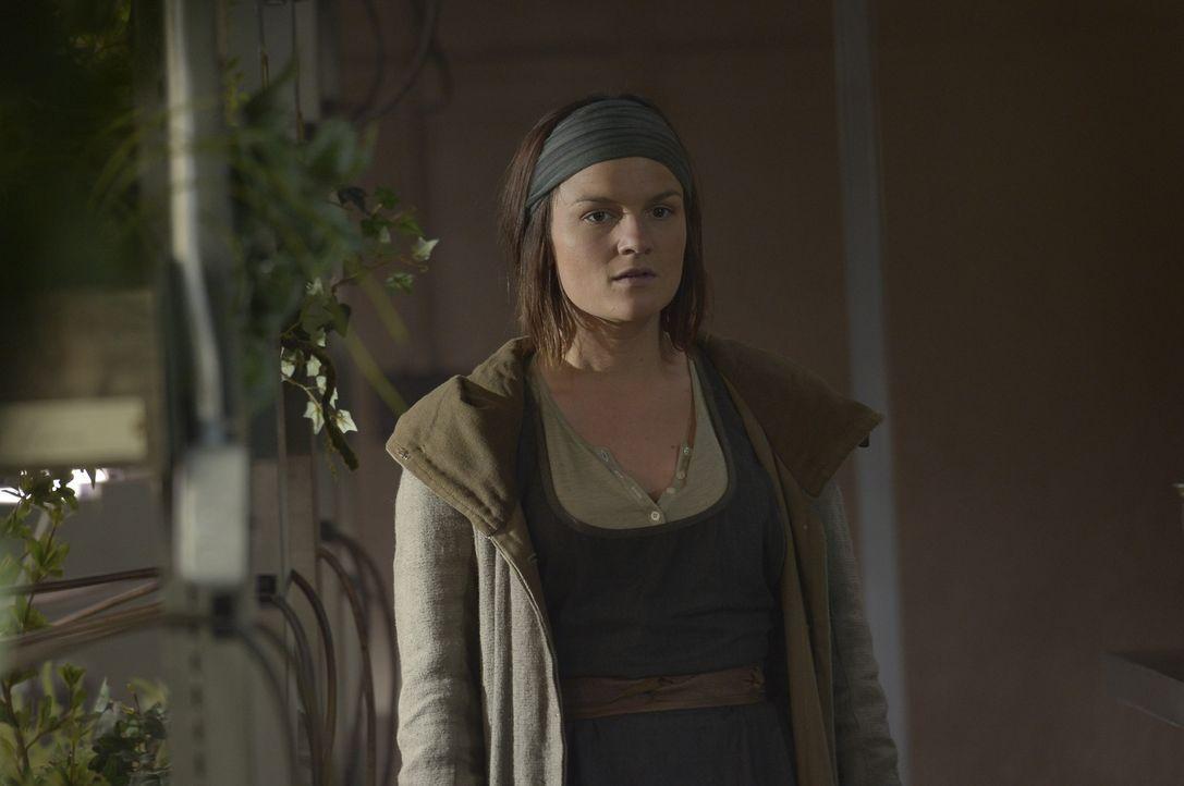 Schwester Olivia (Sarah Booth) weiht Kyle in Peters Pläne ein und gerät damit selber in Lebensgefahr ... - Bildquelle: Philippe Bosse 2014 Syfy Media, LLC
