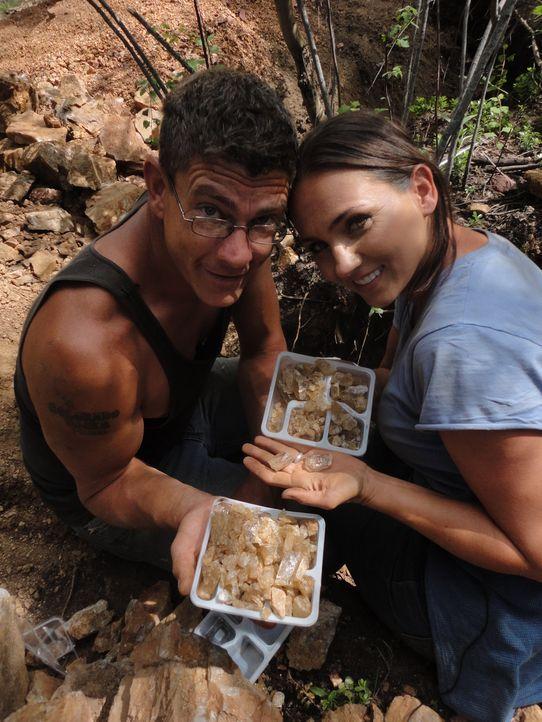 Travis (l.) und Amanda (r.) arbeiten hart daran, endlich ihr Ziel zu erreichen ... - Bildquelle: High Noon Entertainment 2014