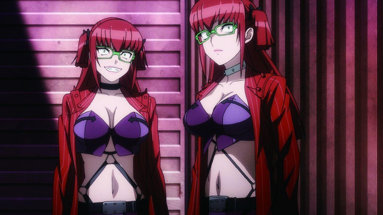 Die Zwillingsschwestern Kaoru (l.) und Kaori (r.) nehmen Sayo in die Mangel, aber werden sie die Kämpferin auch töten? - Bildquelle: 2015 Shouji Sato/KADOKAWA Fujimishobo/TRIAGEX Partners