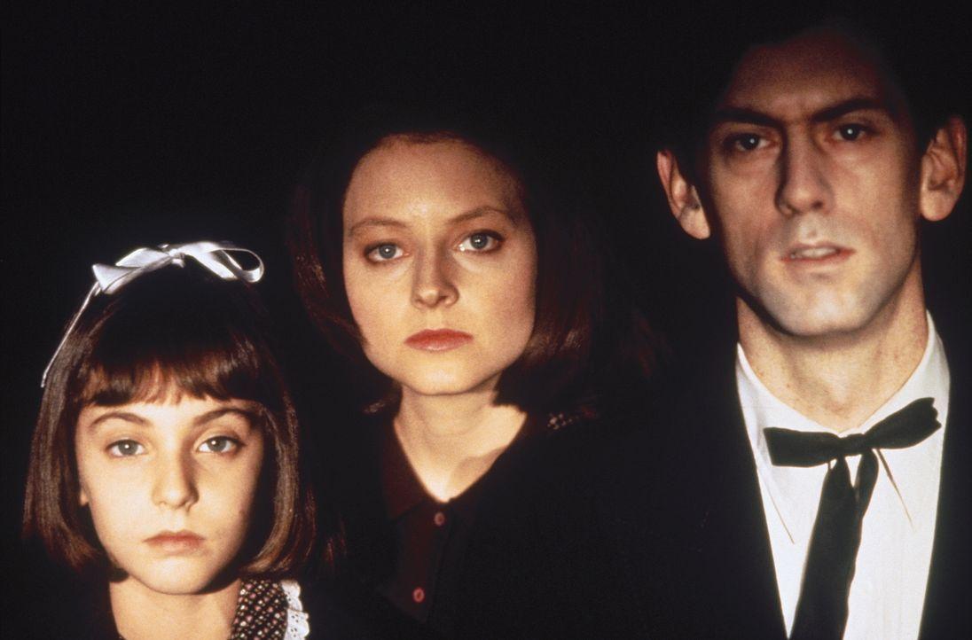Nach und nach gelingt es Lecter, immer tiefer in Clarices (Jodie Foster, M.) Vergangenheit zu wühlen und Blick in ihre Seele als Kind (Masha Skorobo... - Bildquelle: Orion Pictures Corporation