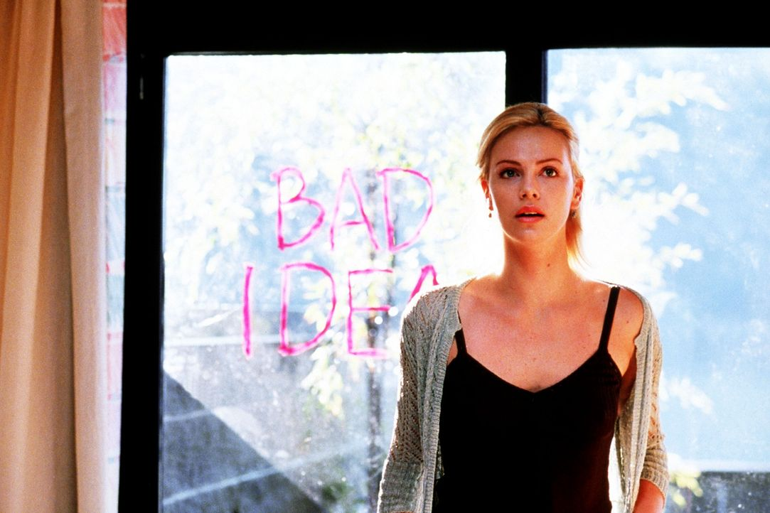 Binnen 24 Stunden muss das Lösegeld übergeben sein oder Karens (Charlize Theron) Tochter stirbt - doch das vermeintlich perfekte Verbrechen gerät... - Bildquelle: Senator Film