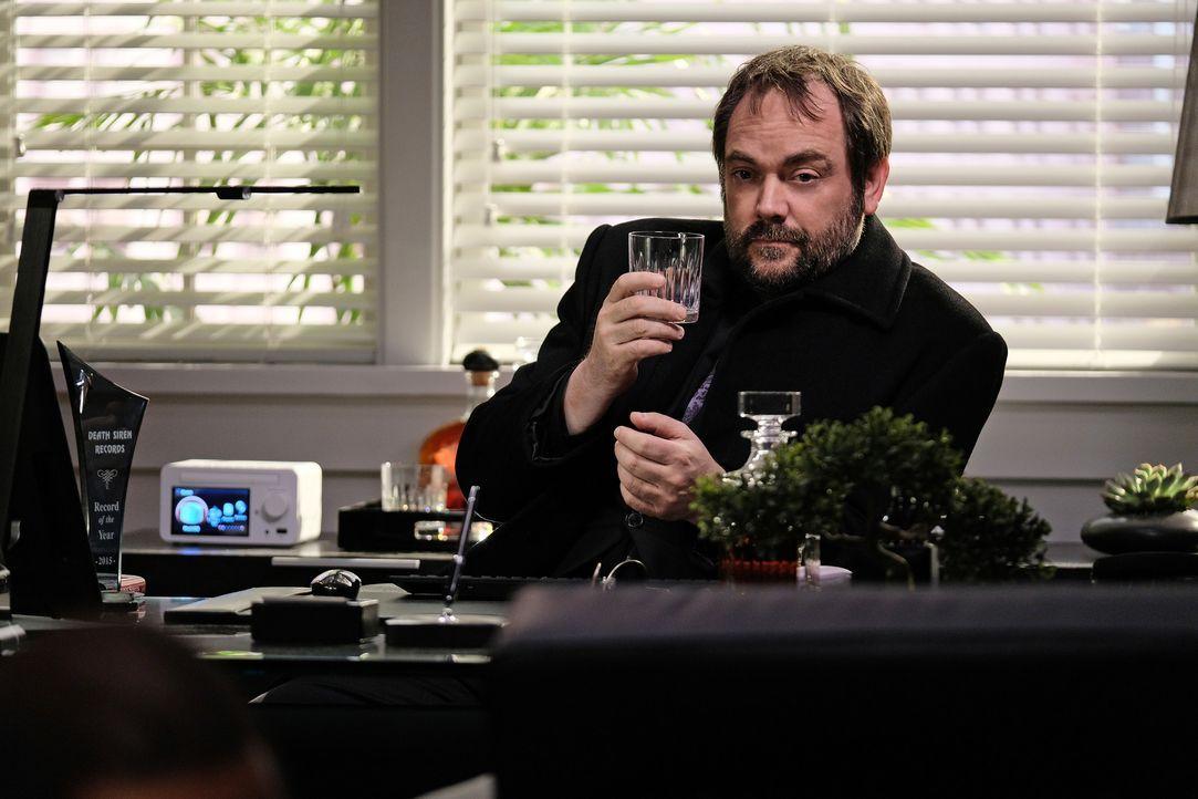 Crowley (Mark Sheppard) - Bildquelle: Robert Falconer 2016 The CW Network, LLC. All Rights Reserved / Robert Falconer