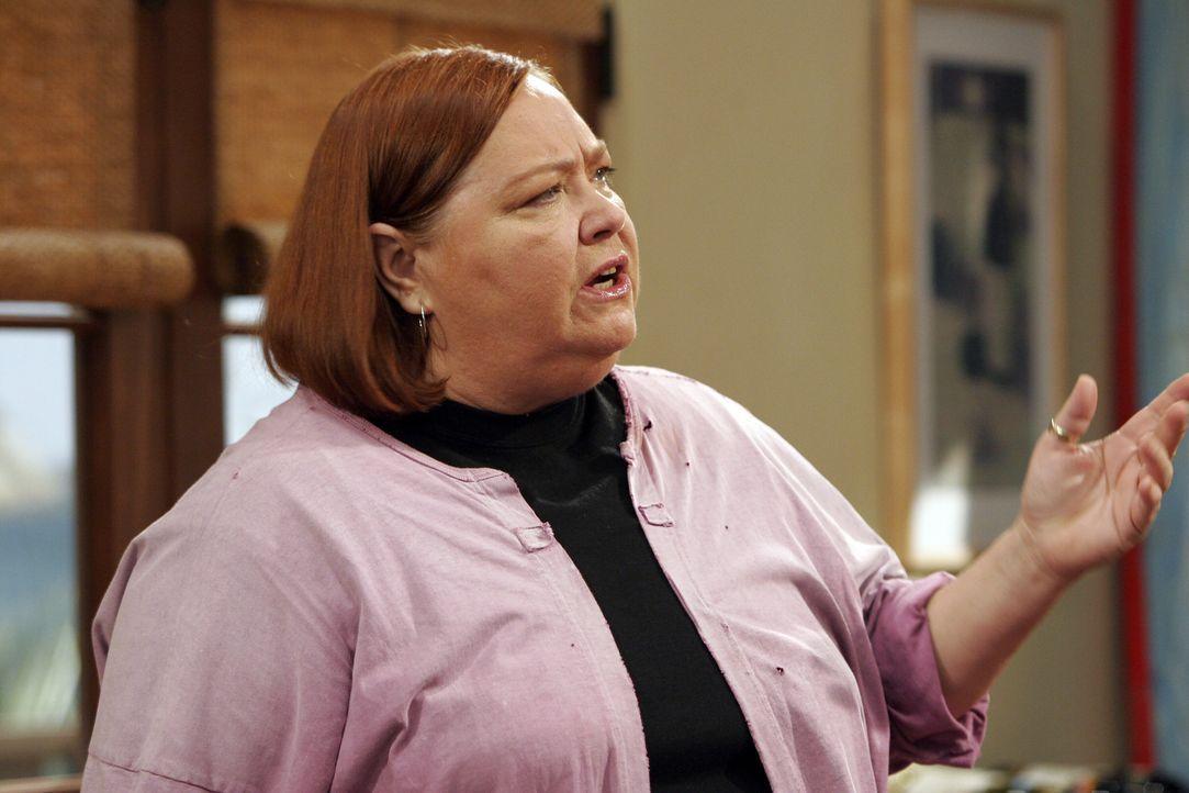 Berta (Conchata Ferrell) sorgt für Zucht und Ordnung im Hause Harper ... - Bildquelle: Warner Brothers Entertainment Inc.