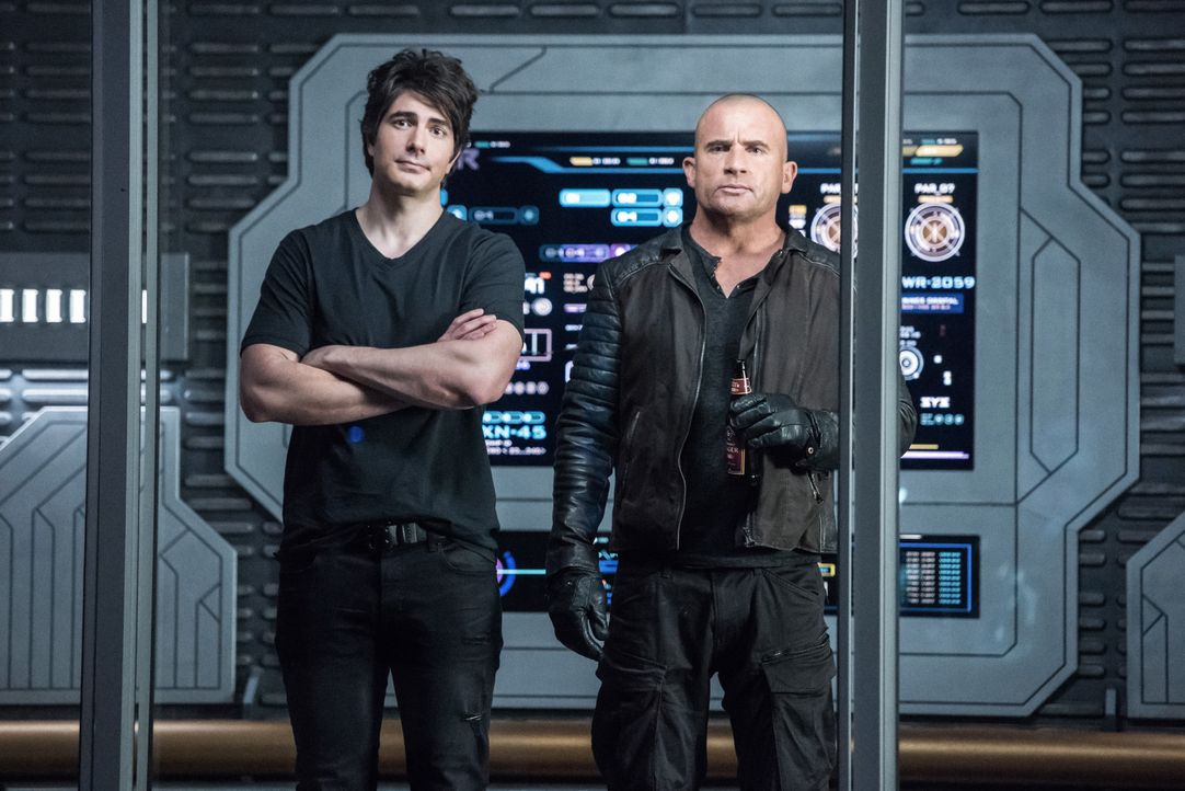 Ray (Brandon Routh, l.); Rory (Dominic Purcell, r.) - Bildquelle: Dean Buscher 2018 The CW Network, LLC. All rights reserved. / Dean Buscher