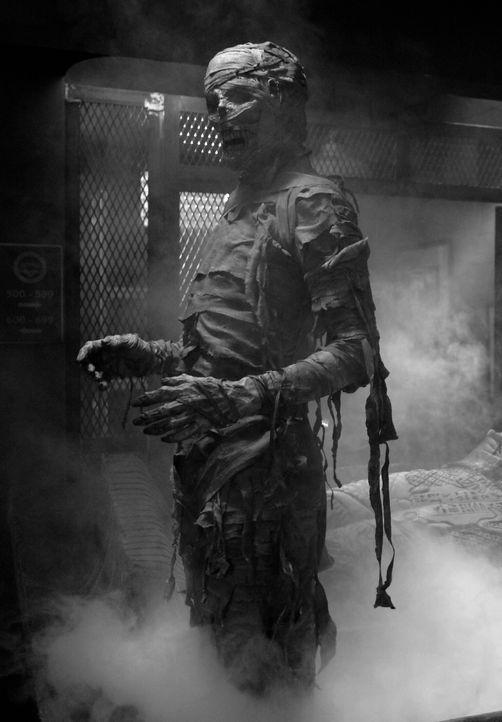 """Ein """"Gestaltenwandler"""" treibt sein Unwesen während des Oktoberfests in Pennsylvania ... - Bildquelle: Warner Bros. Television"""