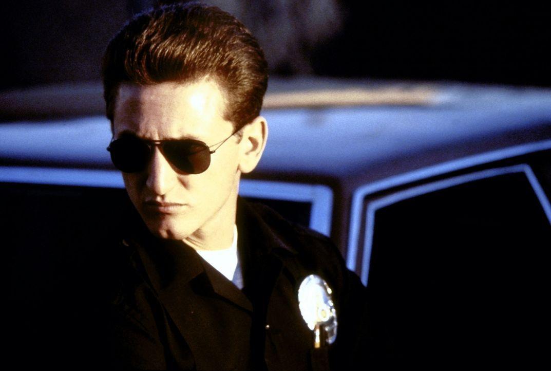 Der junge Cop Danny McGavin (Sean Penn) ist brutal und aggressiv, ein rücksichtsloser Schlägertyp, der sich von den anderen jungen Kriminellen nur... - Bildquelle: Orion Pictures Corporation
