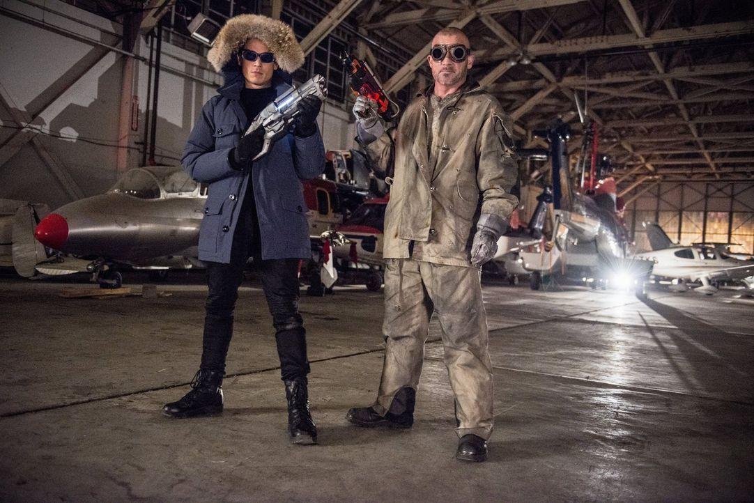 Führen nichts Gutes im Schilde: Leonard Snart alias Captain Cold (Wentworth Miller, l.) und Mick Rory alias Heat Wave (Dominic Purcell, r.) ... - Bildquelle: Warner Brothers.