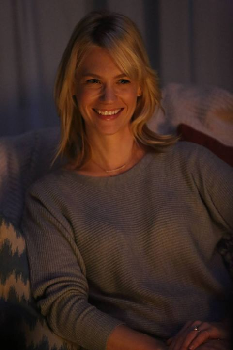 Noch ahnt Melissa (January Jones) nicht, dass sie vielleicht gar nicht mehr so lange auf die sehnlich gewünschte Zweisamkeit warten muss ... - Bildquelle: 2015 Fox and its related entities.  All rights reserved.