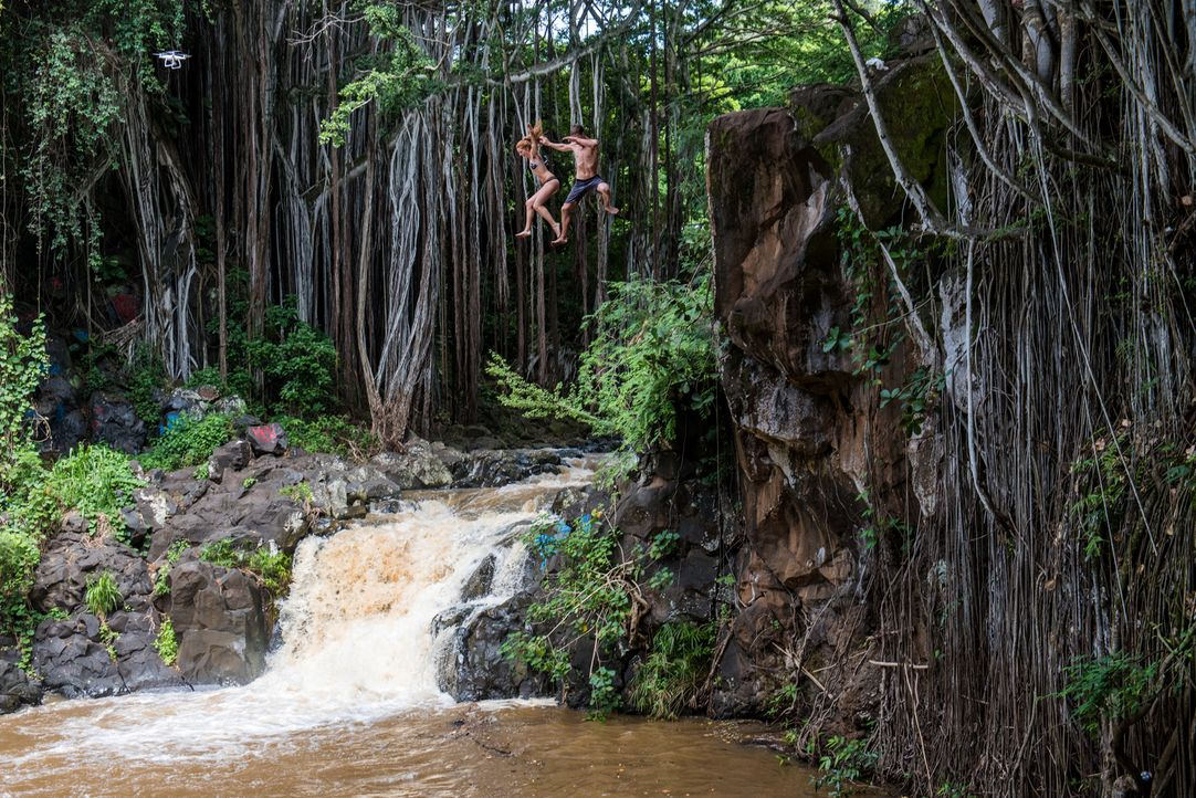 "Perfekt für Adrenalinjunkies: Die Klippen an den ""Lulumahu Falls"" in Honolulu, Hawaii, eignen sich sehr gut als Sprungtürme ... - Bildquelle: 2017,The Travel Channel, L.L.C. All Rights Reserved"