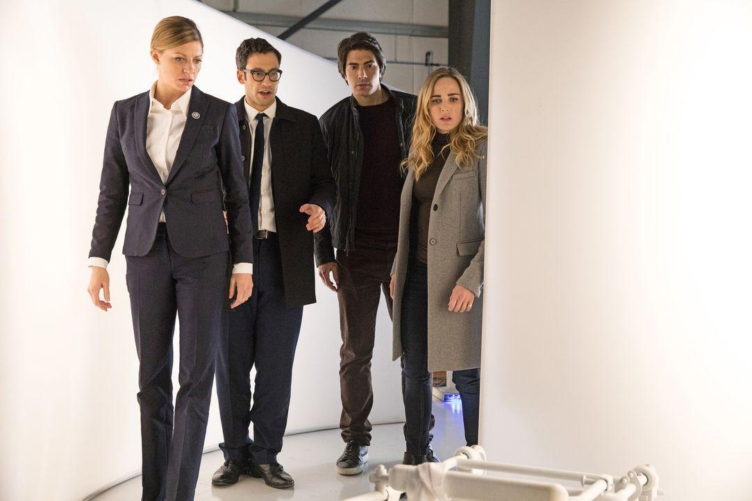 (v.l.n.r.) Ava (Jes Macallan); Gary (Adam Tsekhman); Ray (Brandon Routh); Sara (Caity Lotz) - Bildquelle: 2017 Warner Bros.