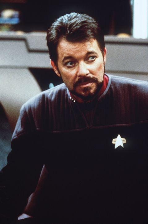 Commander Riker (Jonathan Frakes) glaubt nicht, dass der Widerstand gegen die Borg zwecklos ist ... - Bildquelle: Paramount Pictures
