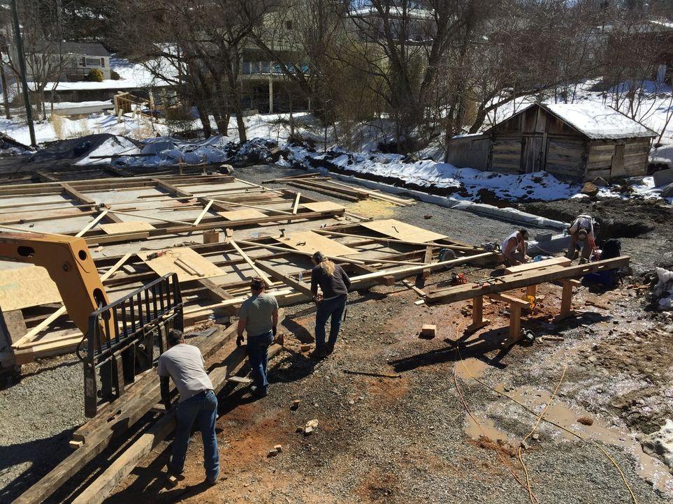 Die Scheunen-Profis haben sich auf die Restauration der ältesten Scheunen und Hütten Amerikas spezialisiert und sie machen ihren Job mit viel Leiden... - Bildquelle: 2015, DIY Network/Scripps Networks, LLC. All Rights Reserved.