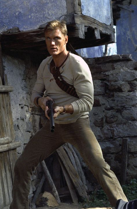 Früher kämpfte Nick Cherenko (Dolph Lundgren) für russische Spezialeinheiten. Als er sich gerade heimisch niederlassen wollte, wird seine Familie vo... - Bildquelle: Nu Image Films