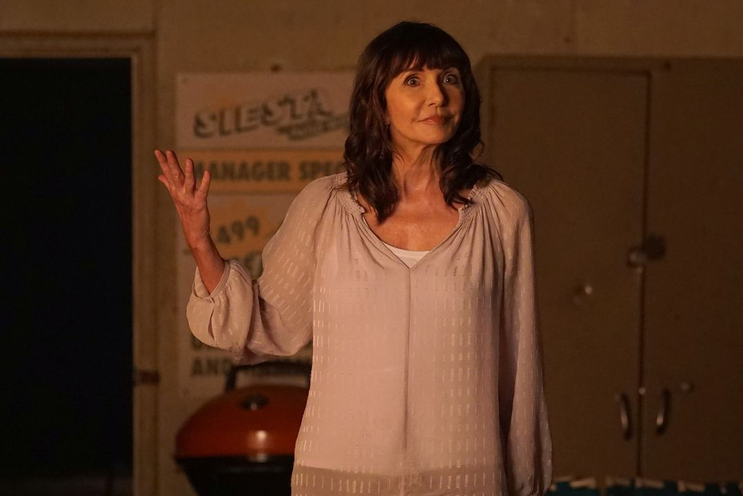 Ihre Fahrt durch Kalifornien verlangt allen einiges ab, doch dann trifft Gail (Mary Steenburgen) eine erschreckende Entscheidung ... - Bildquelle: Kevin Estrada 2016 Fox and its related entities. All rights reserved.