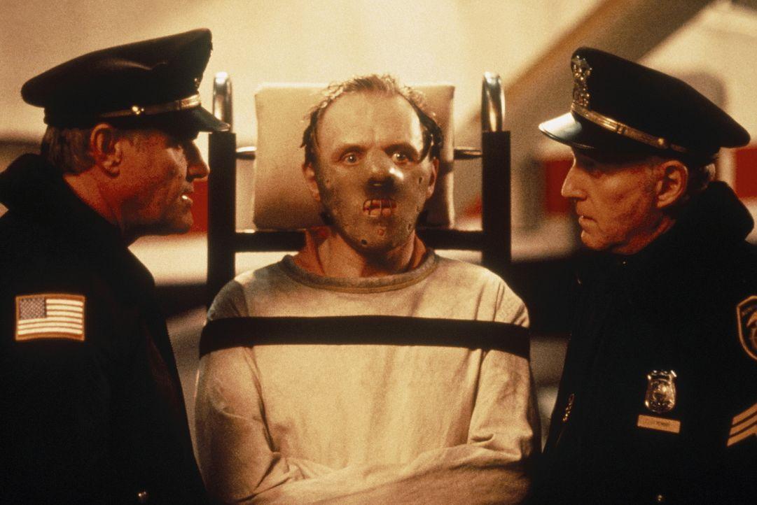 Dr. Hannibal Lecter (Anthony Hopkins) sitzt seit Jahren im Hochsicherheitstrakt eines psychiatrischen Gefängnisses, weil der geniale Psychiater irge... - Bildquelle: Orion Pictures Corporation