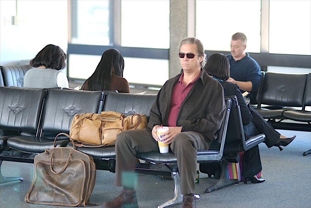 Nach anfänglichem Zögern erklärt sich Kyle (Jeff Bridges) bereit, seinen Sohn zur schwer erkrankten Mutter zu begleiten. Doch unglücklicherweise dar... - Bildquelle: 2008 BY OPEN ROAD INVESTMENTS, LLC. ALL RIGHTS RESERVED
