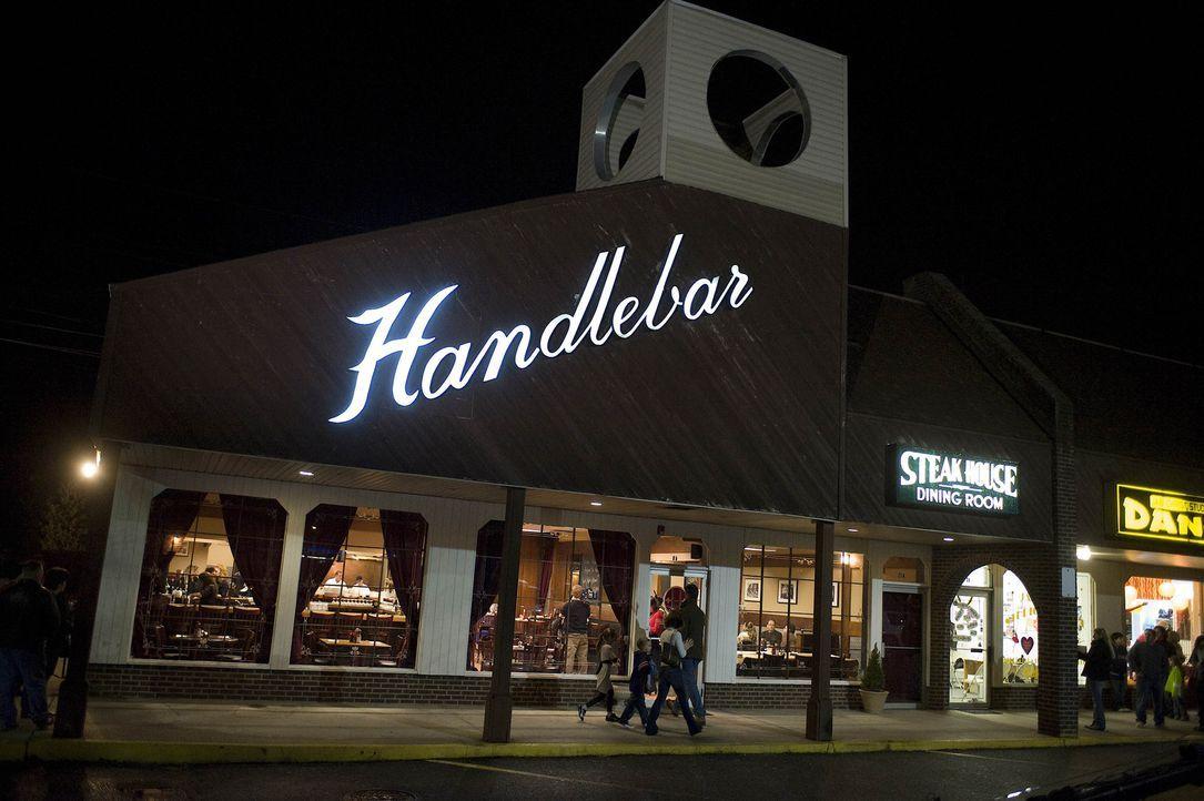 """Sternekoch Gordon Ramsay besucht heute das """"Handlebar Restaurant"""" im Bundesstaat New York. Hier gibt es jede Menge zu tun ... - Bildquelle: Fox Broadcasting. All rights reserved."""