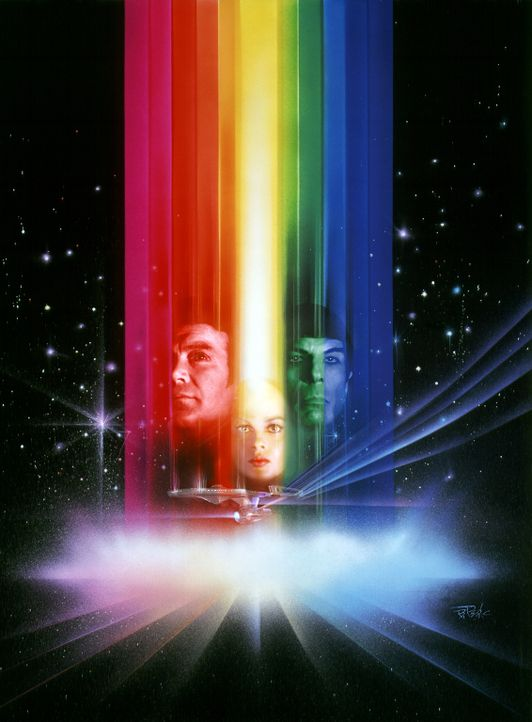 Captain James T. Kirk (William Shatner, l.) und Cmdr. Spock (Leonard Nimoy, r.) sollen eine Energiewolke, die sich auf Kollisionskurs mit der Erde b... - Bildquelle: Paramount Pictures