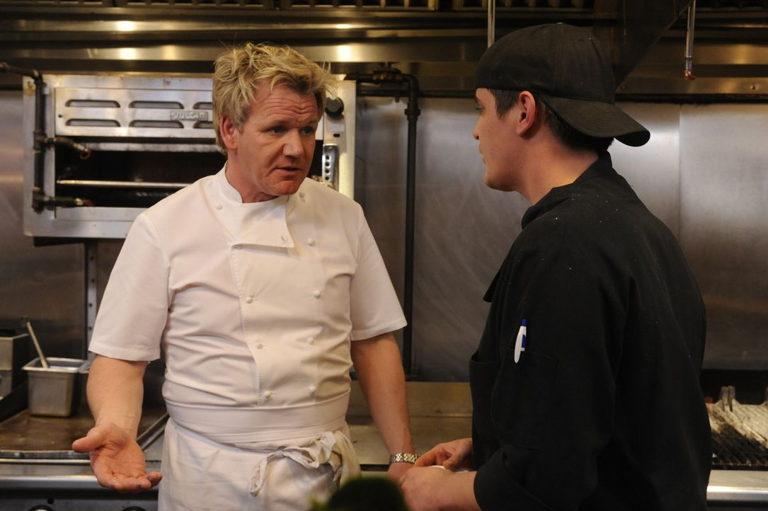 "Gelingt es Gordon Ramsay (l.), mehr Kundschaft in das ""DownCity"" zu locken? - Bildquelle: Jeffrey Neira Fox Broadcasting.  All rights reserved."