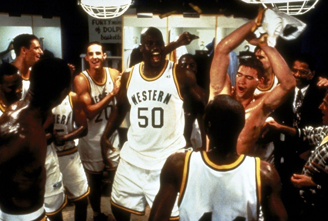 Pete Bell liebt Basketball - und er liebt es  ganz besonders, zu gewinnen. Deshalb macht sich der Head-Coach der Western University Dolphins auf die... - Bildquelle: Paramount Pictures