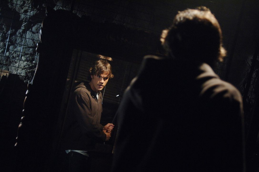 Durch einen Scherz wird die Legende Bloody Mary zum Leben erweckt. Sam (Jared Padalecki) und Dean versuchen sie zu stoppen, bevor sie weiter tötet .... - Bildquelle: Warner Bros. Television