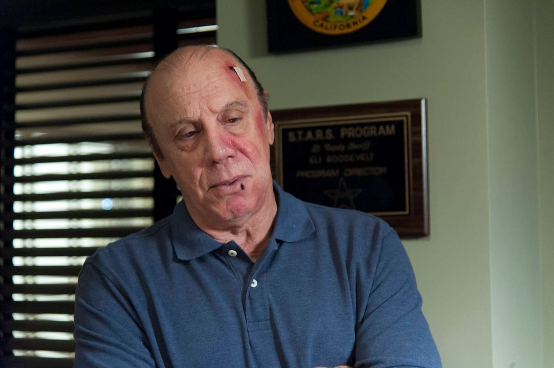Wird Unser (Dayton Callie) den Überfall aufklären und somit den Sons gefährlich nahe kommen? - Bildquelle: 2012 Twentieth Century Fox Film Corporation and Bluebush Productions, LLC. All rights reserved.