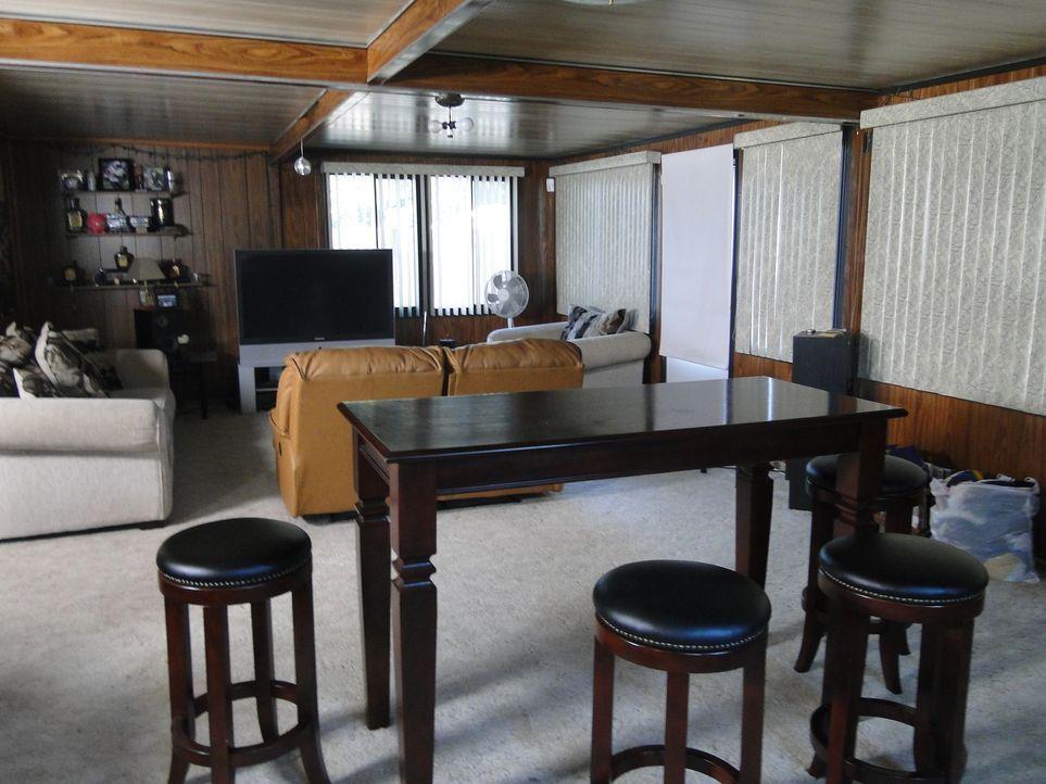 Aus diesem Raum soll ein Spielzimmer für Kerle entstehen. Doch wird Josh dies hinbekommen? - Bildquelle: 2009, DIY Network/Scripps Networks, LLC