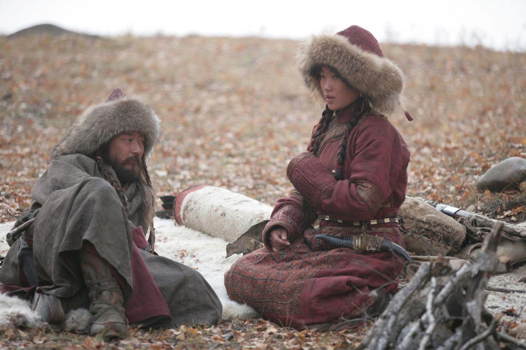 Nach Jahren kann Temudgin (Tadanobu Asano, l.) endlich Borte (Khulan Chuluun, r.) zur Frau nehmen, das Mädchen, das er auf dem Weg zu den Merkiten g... - Bildquelle: X-Filmverleih