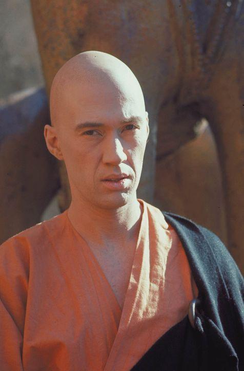 Weil er den Neffen des Kaisers tötete, flieht Caine (David Carradine) in den rauen Westen Amerikas ... - Bildquelle: Warner Bros.