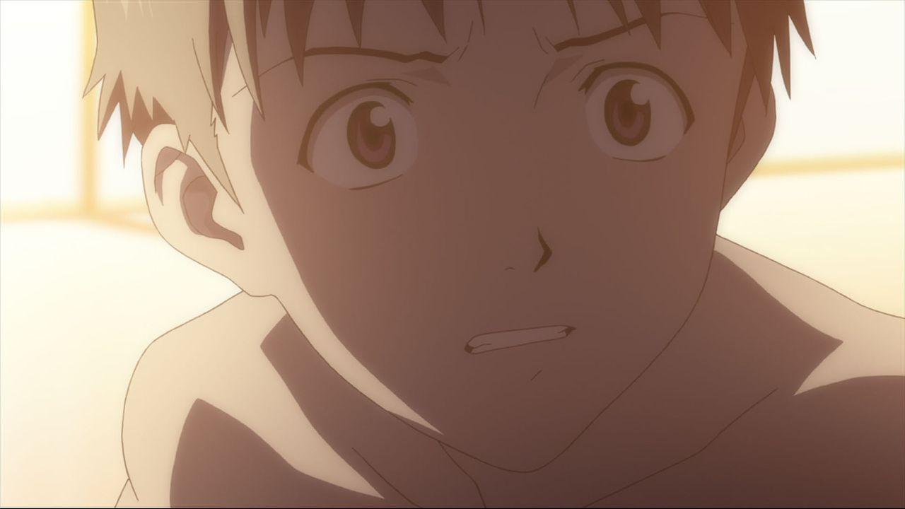 Nach dem Tod seiner Mutter hatte sich der 14-jährige Shinji Ikari das Wiedersehen mit seinem Vater ganz anders vorgestellt ... - Bildquelle: khara, GAINAX. All rights reserved