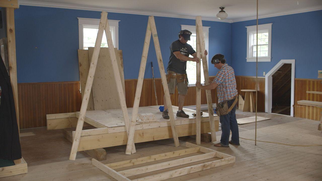 Kevin (l.) und Andrews (r.) neuestes Projekt: Walker soll sein eigenes, ganz privates Gästezimmer im Haus der beiden bekommen ... - Bildquelle: Brojects Ontario LTD 2017