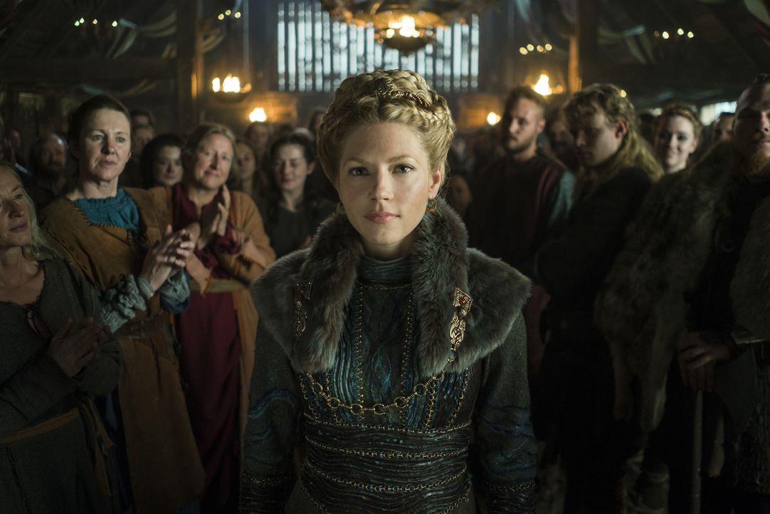 Während Lagertha (Katheryn Winnick) ihren Thron in Kattegat eingenommen hat, wissen Ragnars Söhne nicht, ob sie ihr vertrauen können ... - Bildquelle: 2016 TM PRODUCTIONS LIMITED / T5 VIKINGS III PRODUCTIONS INC. ALL RIGHTS RESERVED.