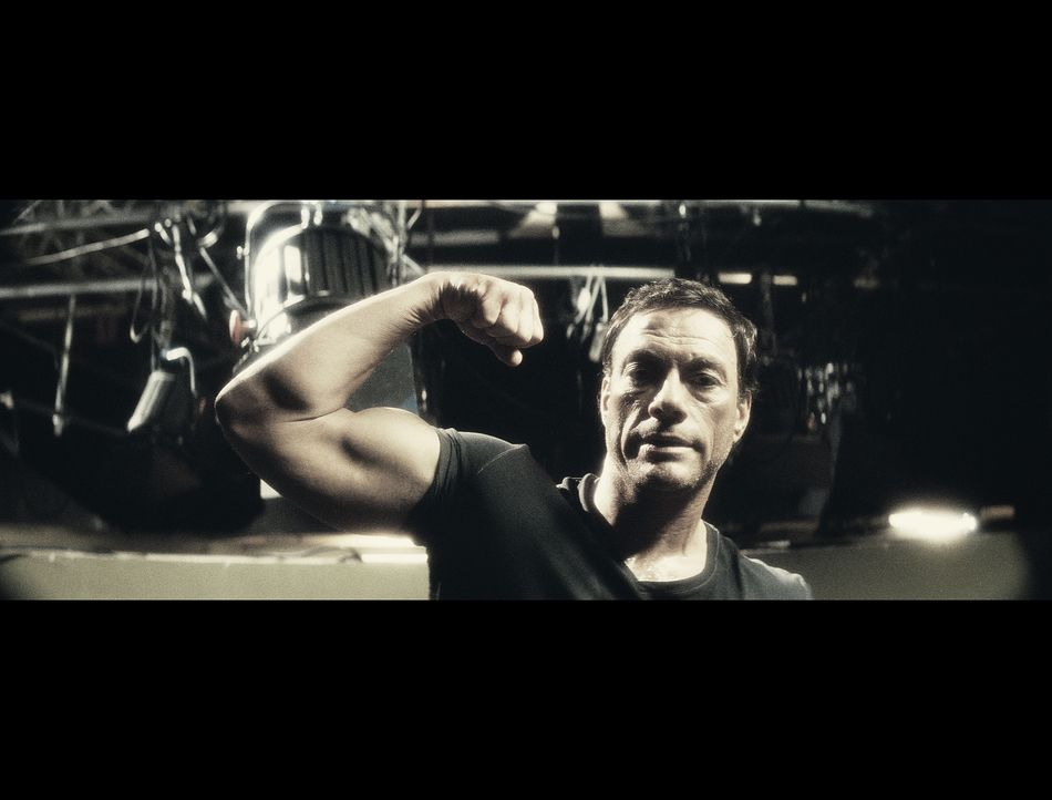 J.C.V.D. (Jean-Claude Van Damme) reicht es! Seine Tochter schämt sich für ihn, seine Exfrau findet, er besitze nicht genügend Vater-Qualitäten, der... - Bildquelle: 2008 Samsa Film & Gaumont. All Rights Reserved.