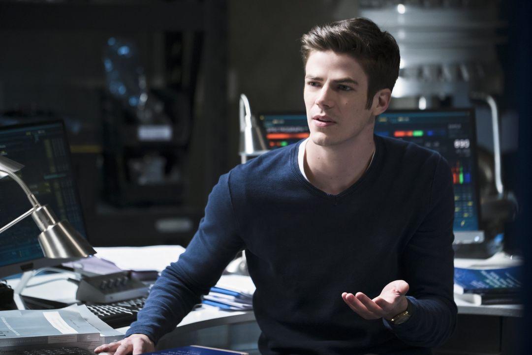 Erkennt Barry (Grant Gustin) zu spät, warum Dr. Wells wirklich so verschlossen ist? - Bildquelle: 2015 Warner Brothers.