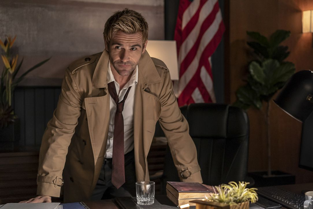 Constantine (Matt Ryan) - Bildquelle: Colin Bentley 2019 The CW Network, LLC. All rights reserved. / Colin Bentley