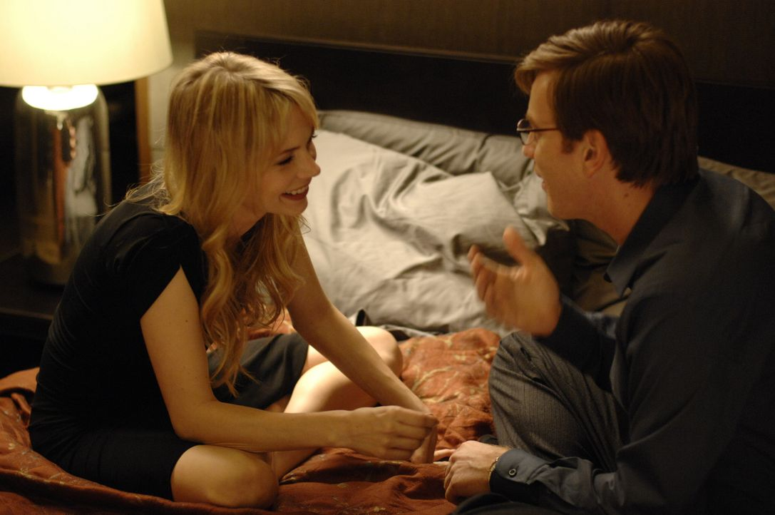 "Sind echte Gefühle im Spiel? Jonathan McQuarry (Ewan McGregor, r.) lernt in einem exklusiven Sexclub die attraktive ""S? (Michelle Williams, l.) ken... - Bildquelle: 2007 The Tourist Pictures, LLC. All Rights reserved."