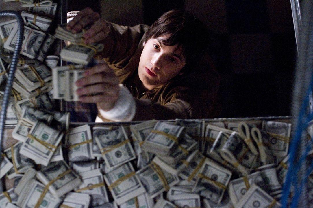 Zunächst gelint es Ben (Jim Sturgess) und seinen vier Mitstreitern, die Casinos von Las Vegas um Millionen zu erleichtern. Doch dann geraten die aus... - Bildquelle: CPT Holdings, Inc. All Rights Reserved.