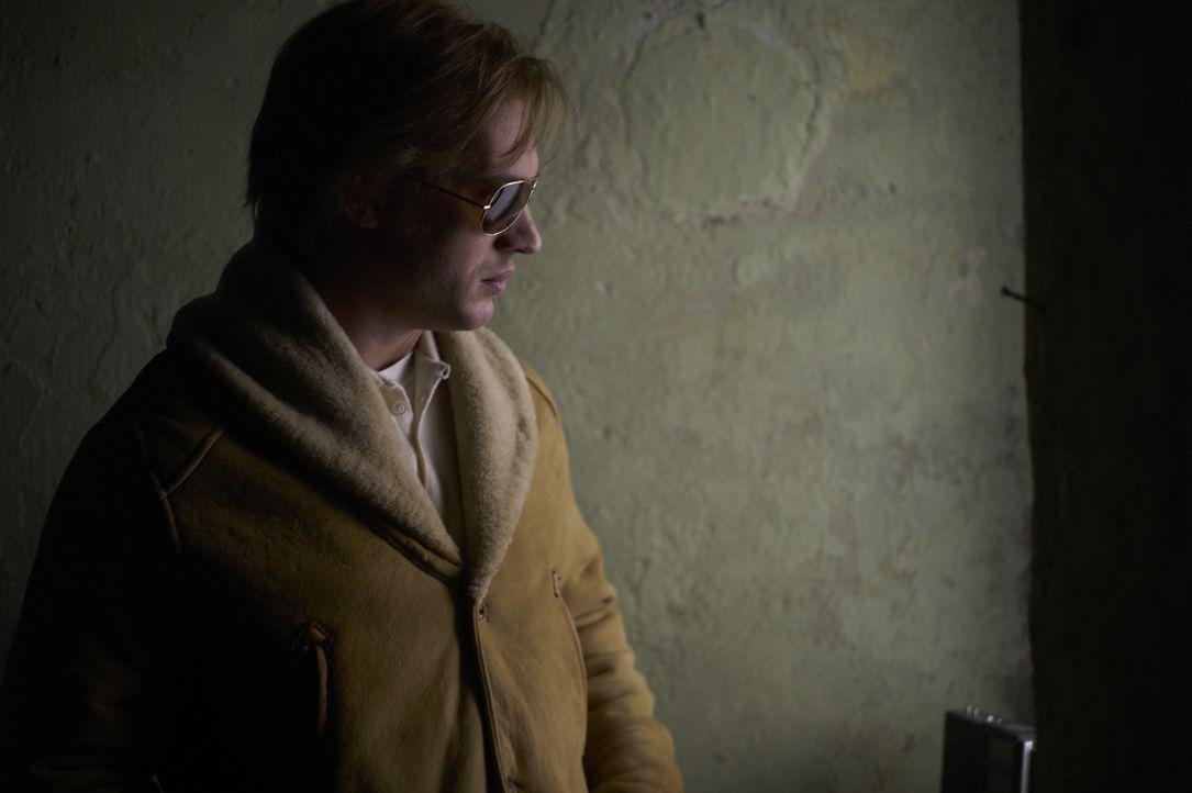 Als der junge Agent Ricki Tarr (Tom Hardy) Hinweise über einen Maulwurf in der Führungsetage des britischen Geheimdienstes bekommt, bringt er einige... - Bildquelle: Studiocanal GmbH