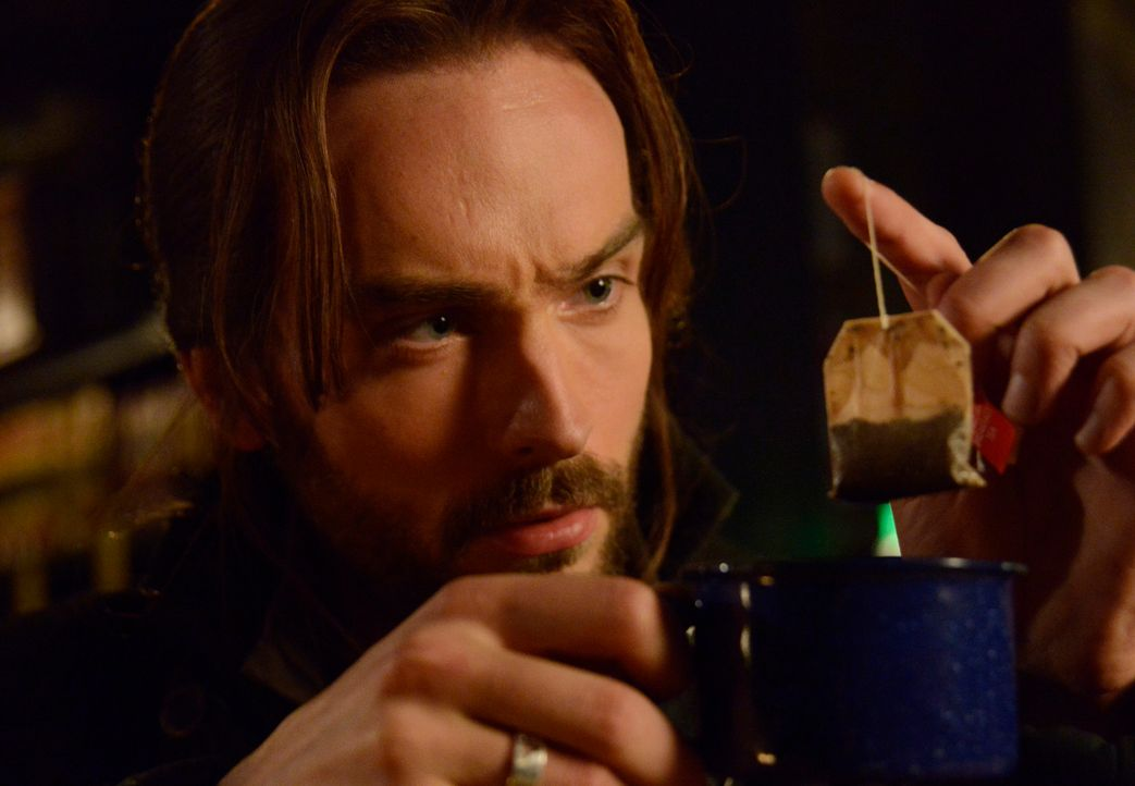 Während Ichabod (Tom Mison) versucht, seinen Gegner niederzuzwingen, wird er von einer alles verändernden Information über die wahren Motive der Rei... - Bildquelle: 2013 Twentieth Century Fox Film Corporation. All rights reserved.