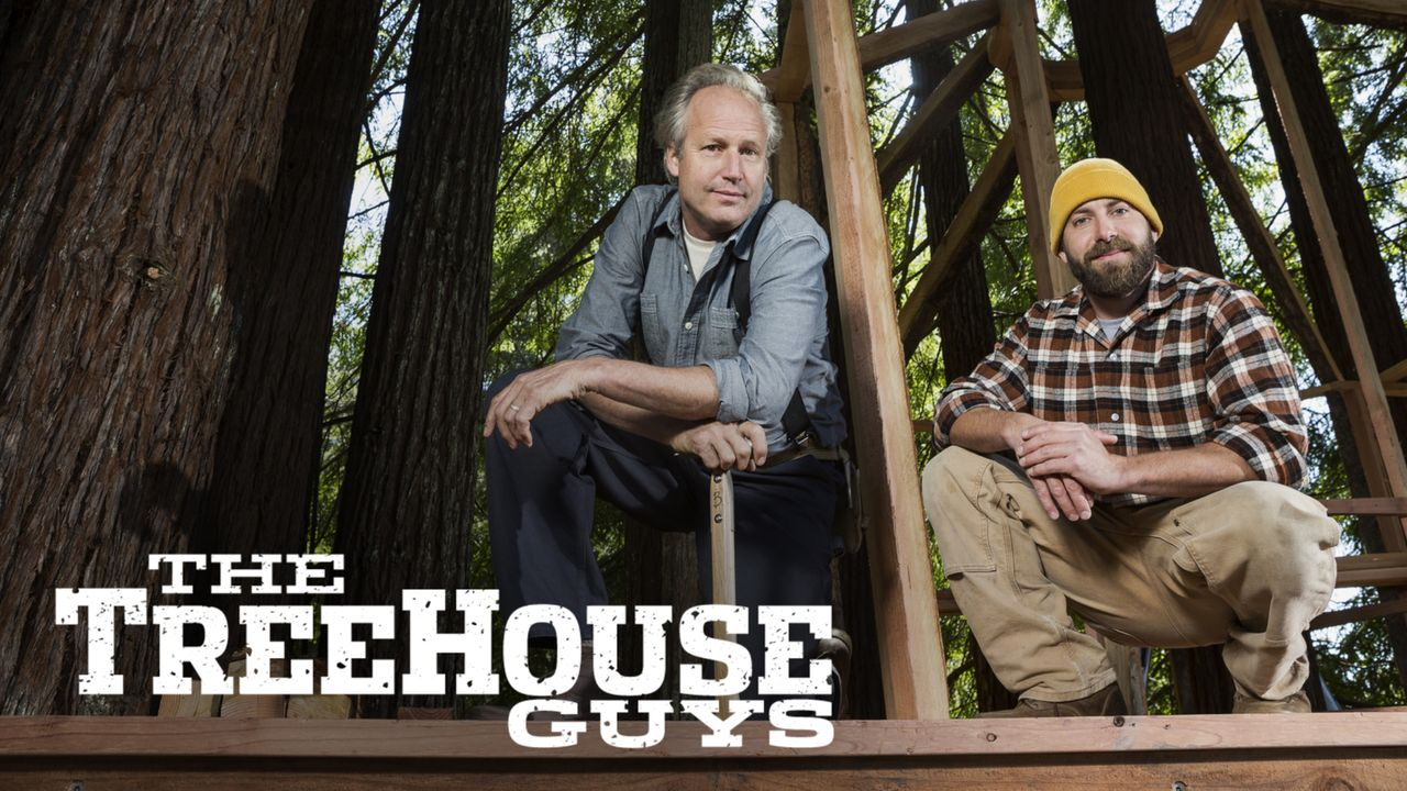 "Treehouse Guys: James ""B'fer"" Roth (l.) und Chris ""Ka-V"" Haake (r.) ... - Bildquelle: 2015, DIY Network/Scripps Networks, LLC. All Rights Reserved."