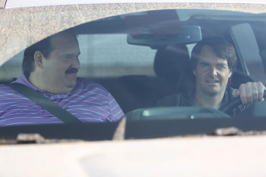 Während Todd (Mel Rodriguez, l.) noch glaubt, dass er in Phil (Will Forte, r.) einen neuen Bro gefunden hat, schmiedet dieser bereits Pläne, um den... - Bildquelle: 2015 Fox and its related entities.  All rights reserved.