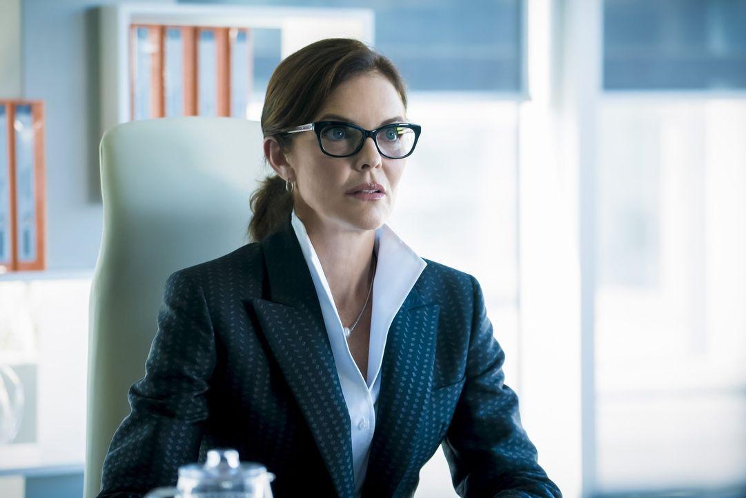 Das Verhältnis zwischen Dr. Carla Tannhauser (Susan Walters) und ihrer Tochter ist mehr als kompliziert. Wird auch dieses Zusammentreffen im Streit... - Bildquelle: 2016 Warner Bros.