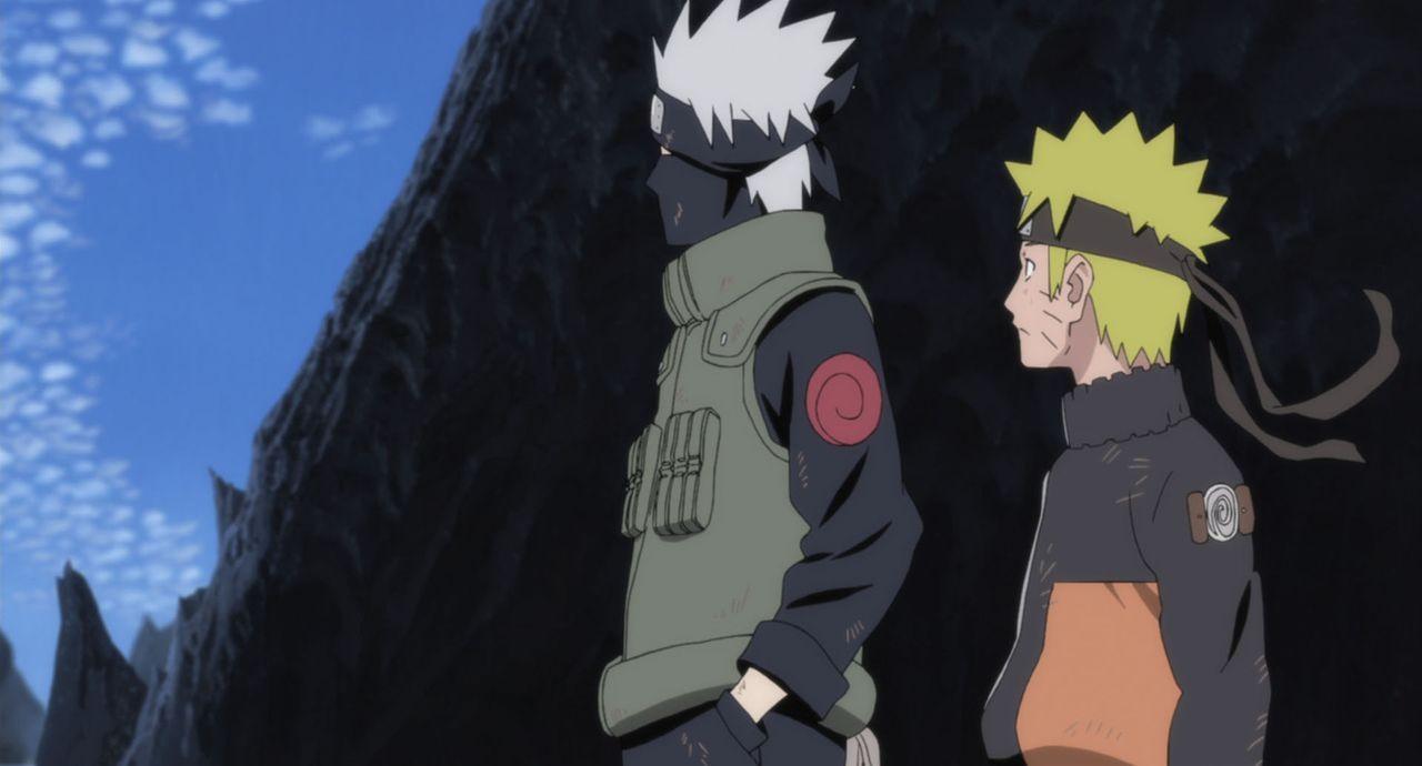 Kakashi (l.) will sich Hiruko stellen, um sich so für das Dorf zu opfern. Doch Naruto (r.) kann das nicht akzeptieren und will nicht tatenlos zusehe... - Bildquelle: 2002 MASASHI KISHIMOTO /2007 Shippuden   NMP 2009