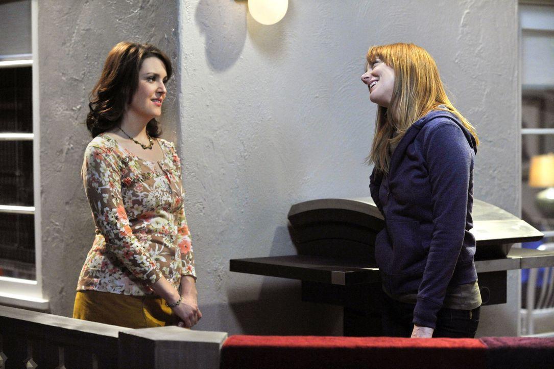 Was haben Bridget (Judy Greer, r.) und Rose (Melanie Lynskey, l.) nur vor? - Bildquelle: Warner Brothers Entertainment Inc.