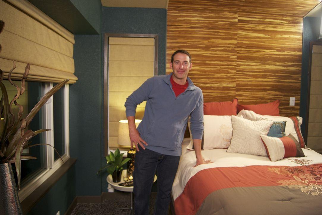Wer ihm vertraut und ihn in sein Haus lässt, wird eine ganz besondere Überraschung erleben: Bauunternehmer Josh Temple ... - Bildquelle: 2011, DIY Network/Scripps Networks, LLC.  All Rights Reserved