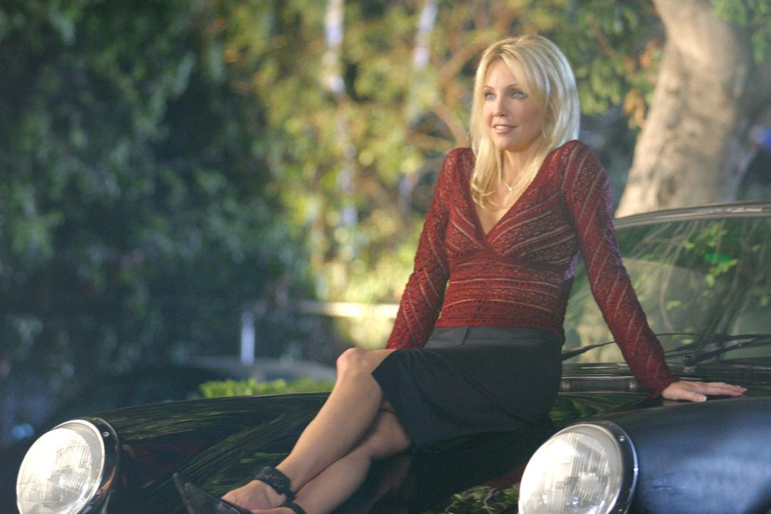 Die Pharmazeutin Julie Keaton (Heather Locklear) sorgt für Aufsehen in der Klinik ... - Bildquelle: Touchstone Television