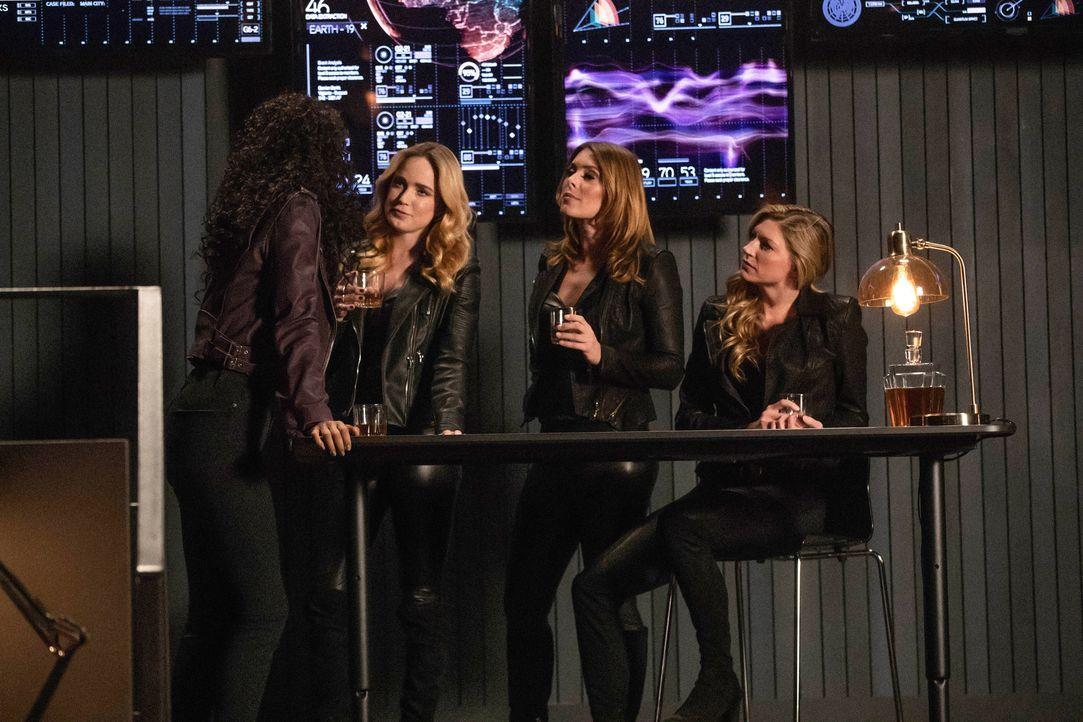 (v.l.n.r.) Charlie (Maisie Richardson-Sellers); Sara (Caity Lotz); Gideon (Amy Louise Pemberton); Ava (Jes Macallan) - Bildquelle: Jack Rowand 2018 The CW Network, LLC. All rights reserved. / Jack Rowand