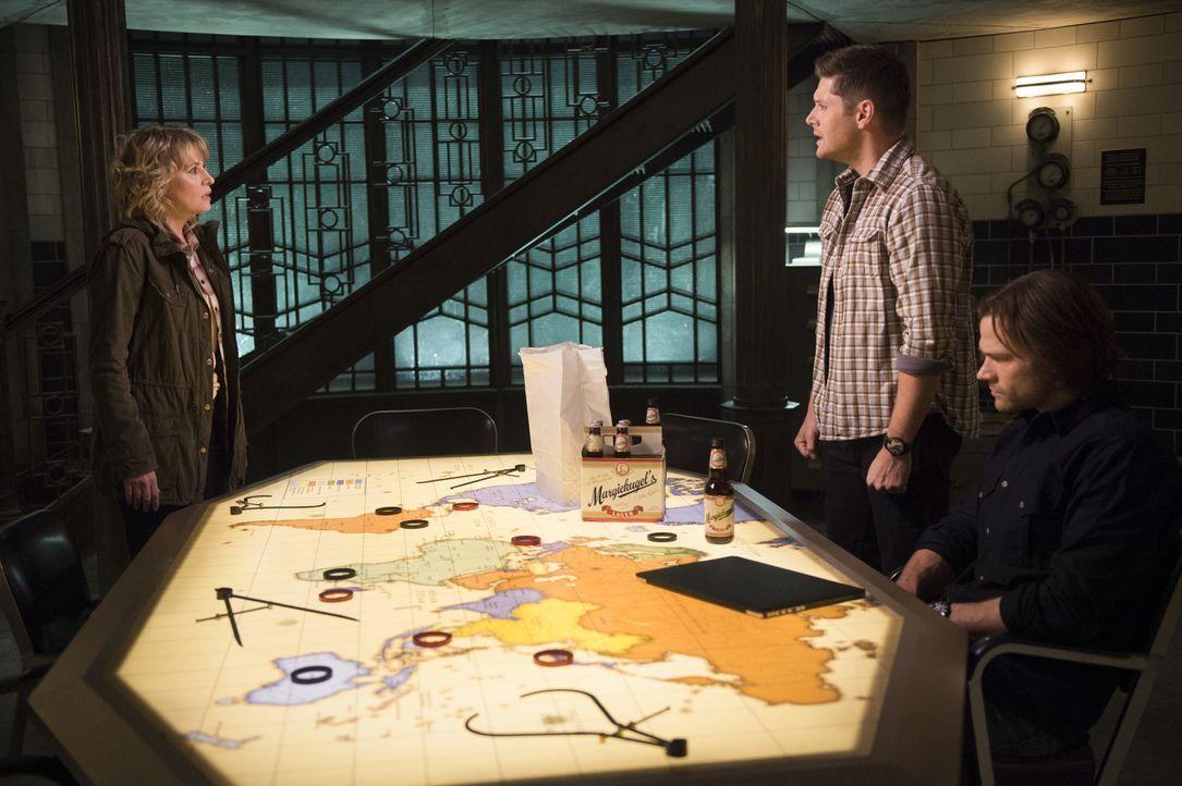 (v.l.n.r.) Mary (Samantha Smith); Dean (Jensen Ackles); Sam (Jared Padalecki) - Bildquelle: Diyah Pera 2016 The CW Network, LLC. All Rights Reserved/Diyah Pera