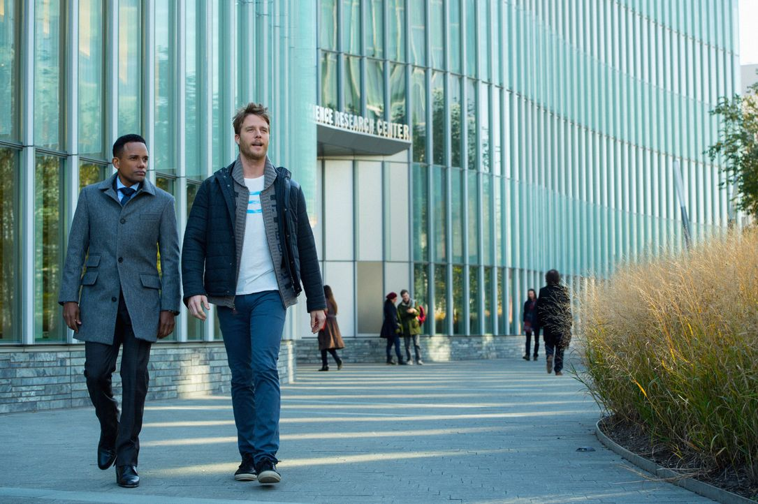 Ein alter Kumpel von Boyle wird beschuldigt, seine Frau ermordet zu haben. Boyle (Hill Harper, l.) und Brian (Jake McDorman, r.) versuchen alles, um... - Bildquelle: David Giesbrecht 2015 CBS Broadcasting, Inc. All Rights Reserved