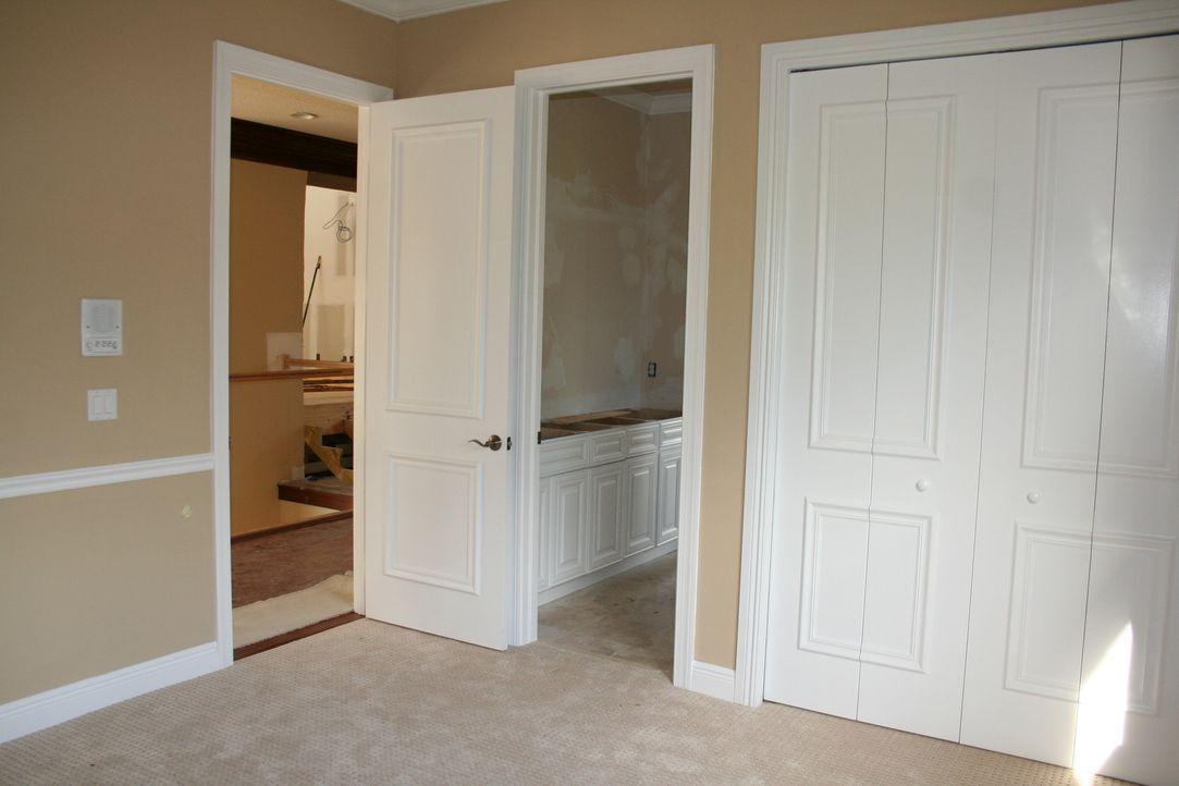 Dieses Mal wird es stressig, denn die oberen Räume der Villa bekommen endlich ihre längst überfällige Renovierung ... - Bildquelle: 2010, DIY Network/Scripps Networks, LLC.  All Rights Reserved